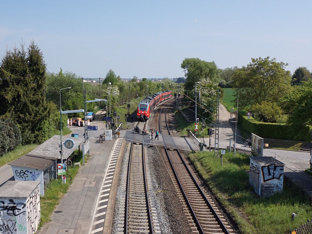 level-crossing-337907_960_720